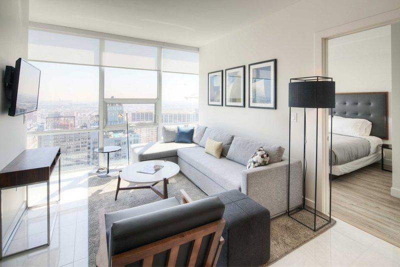 Deluxe 2 Bedroom, 2 Bathroom Executive Apartment WIth Great Amenities - Image 1 - Los Angeles - rentals