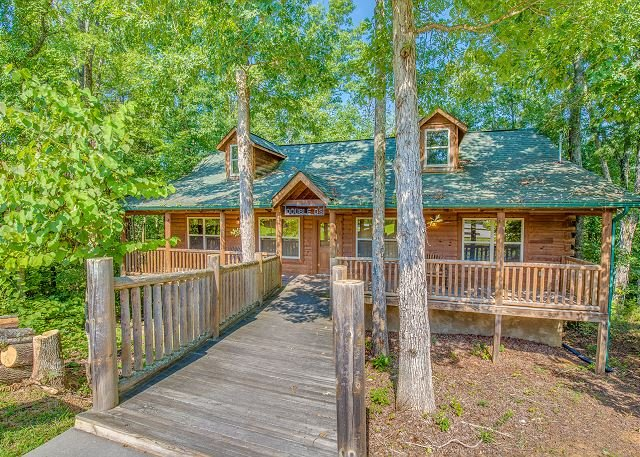 Summer Special From $89! Log Cabin w/ Pool Table, Huge Decks & Hot Tub! - Image 1 - Sevierville - rentals