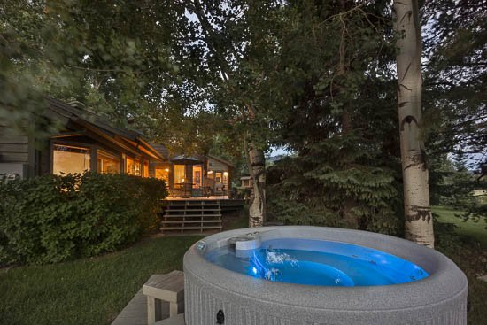 "Private Hot Tub - ""Great Powder"" Specials - save up to 25% at Snowshoe Chalet delightful 4BR - Steamboat Springs - rentals"