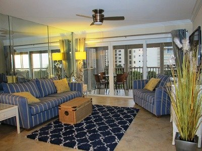 Living Room - Vanderbilt Towers - Naples - rentals