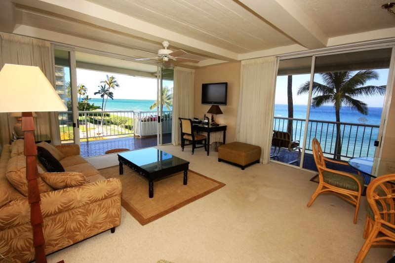 Direct ocean front with wrap around corner lanai - Whaler 401 - Ocean Front One Bedroom, 2 Bath Condominium - Lahaina - rentals