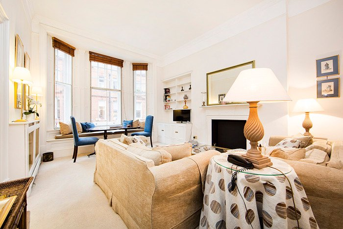 Warm and bright one bedroom apartment just off Sloane Square. - Image 1 - London - rentals