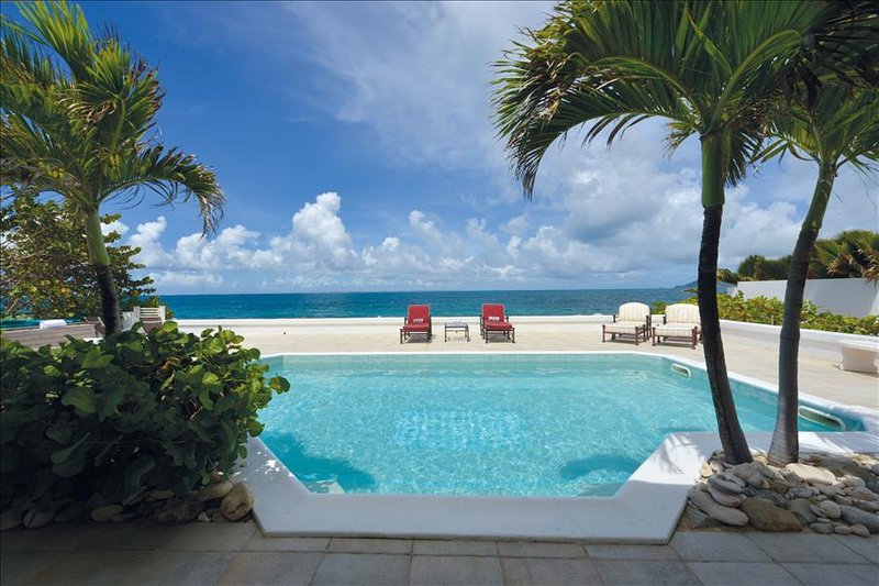 Luxurious beachfront 1-bedroom villa with pool & jacuzzi at Baie Rouge - Image 1 - Baie Rouge - rentals