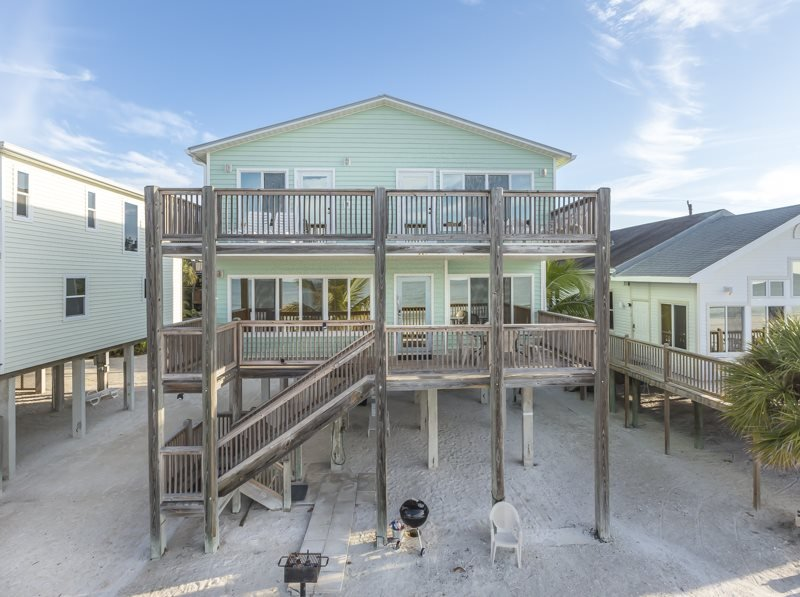 1/31: - Direct Beachfront Vacation Home overlooking Fort Myers Beach from Decks on 2 - Fort Myers Beach - rentals