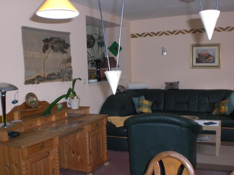 Living Room (1) - Vacation Apartment in Bleicherode - 1076 sqft, comfortable, quiet, friendly (# 5563) - Treseburg - rentals