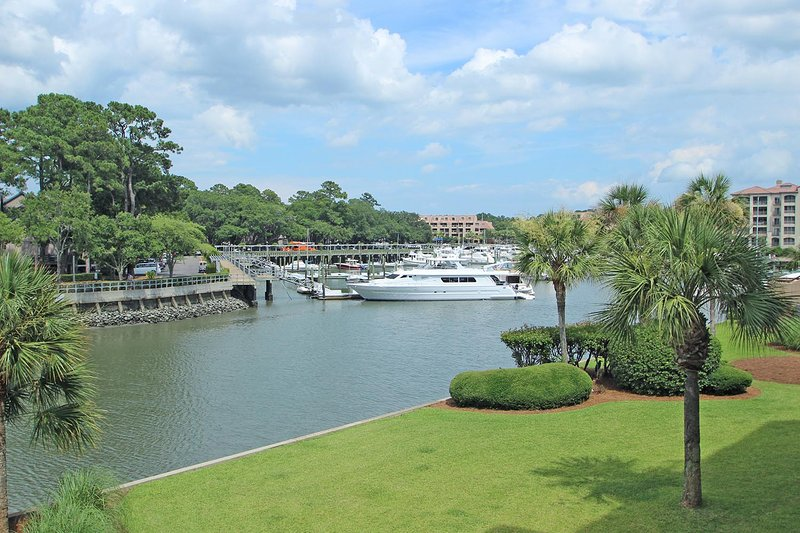 Captains Quarters, 208 - Image 1 - Hilton Head - rentals