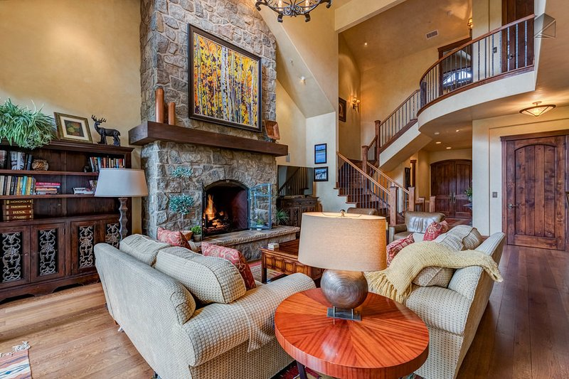 Take a deep breath - Ski in/out, private hot tub, short walk to Mountain Village core - Castellina Pines - Image 1 - Telluride - rentals