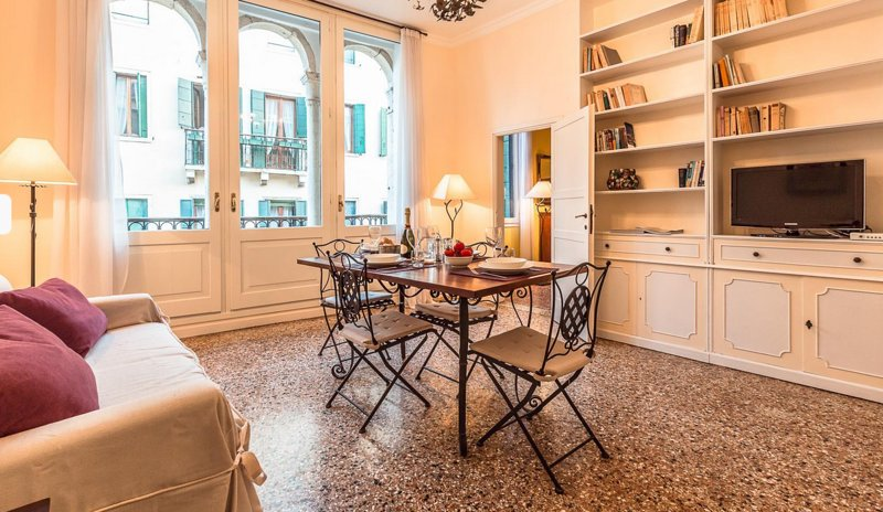 Villa in Ca Grassi 2 | Rent Villas | Classic Vacation - Image 1 - Venice - rentals