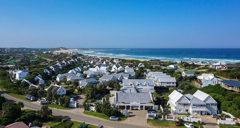Bordering the beach. - Cape St Francis Resort  - beach appartments - Cape Saint Francis - rentals