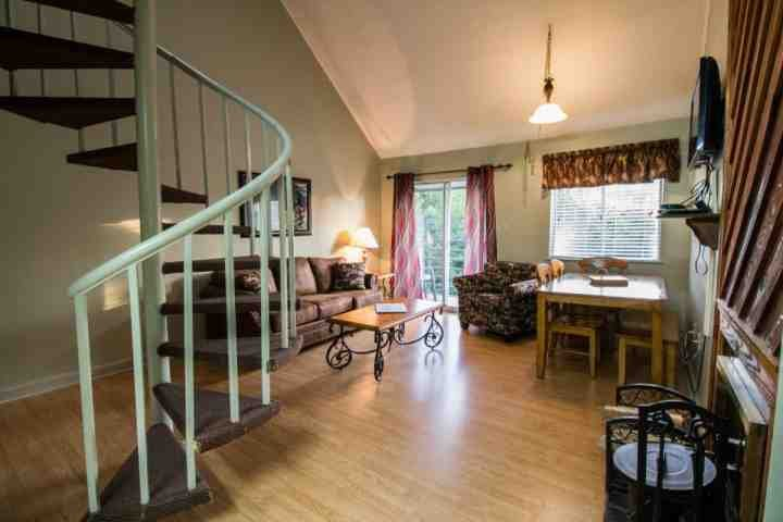 Welcome to Summit Condominiums #3304, a wonderful two bedroom condo with stunning mountain views! - The Summit #3304 - Gatlinburg - rentals