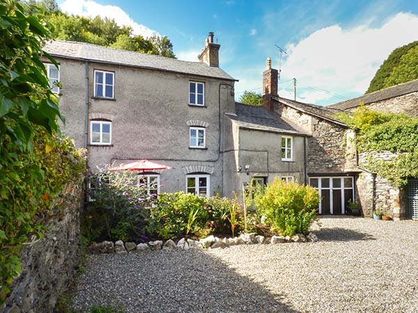 FURNACE COTTAGE, woodburning stove, patio, WiFi, character features, in Newland, Ref 903513 - Image 1 - Newland Near Ulverston - rentals