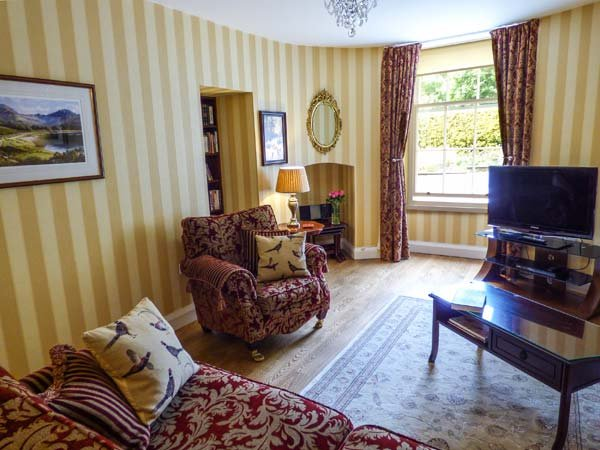 SUMMER HILL 1, luxury ground floor apartment, four poster bed, double-ended bath, near Greenodd, Ref 916204 - Image 1 - Greenodd - rentals