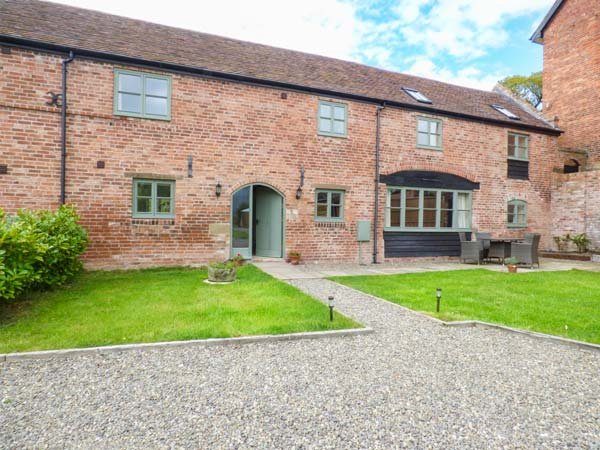 THE BOLTING RABBIT, character features, en-suite, WiFi, rural cottage near Rushbury, Ref. 917175 - Image 1 - Rushbury - rentals