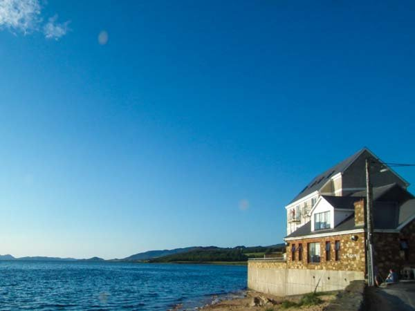 THE BEACH HOUSE APARTMENT, sea views, balcony, duplex apartment on edge of Buncrana, Ref. 919203 - Image 1 - Buncrana - rentals