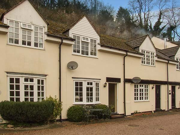 5 WYE RAPIDS COTTAGE, pet-friendly, private courtyard,off road parking, WiFi, in Symonds Yat, Ref 920651 - Image 1 - Symonds Yat - rentals
