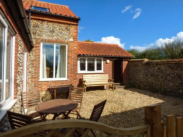 FERNDALE, great touring base, wonderful walks and cycling, near Dereham, Ref. 921207 - Image 1 - Dereham - rentals