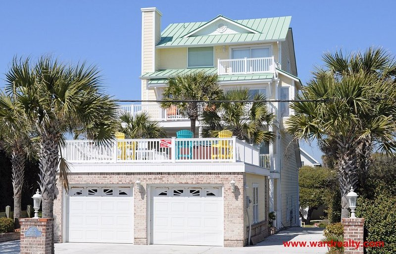 Big Kahuna Exterior - Big Kahuna - Surf City - rentals