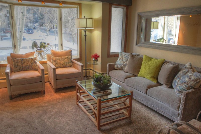 """SkyRun Property - """"4 Vail Trails Chalet"""" - Living room - 4 Vail Trails Chalet - Vail - rentals"""