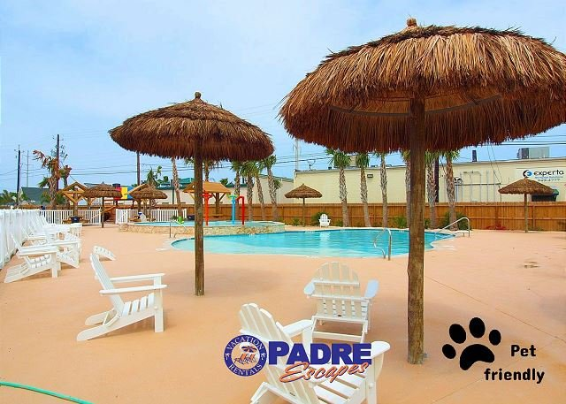 Great pool area to enjoy with family and friends - Beautiful New 3/3 Townhouse with Saltwater Pool! - Corpus Christi - rentals