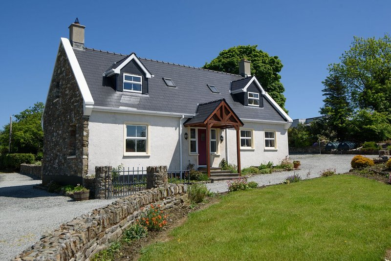 Hedgerow Cottage - Image 1 - Ramelton - rentals