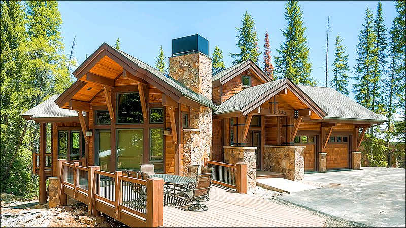 The Exterior View - Private Patio with Gas Fire Pit and Hot Tub - Private Two Bay Garage (13291) - Breckenridge - rentals