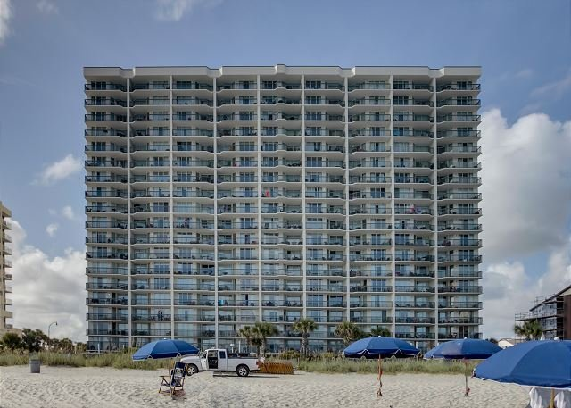 Ashworth Building - Great Oceanfront condo- 4 TVs, Lazy river, indoor pool, hot tub, picnic area - North Myrtle Beach - rentals