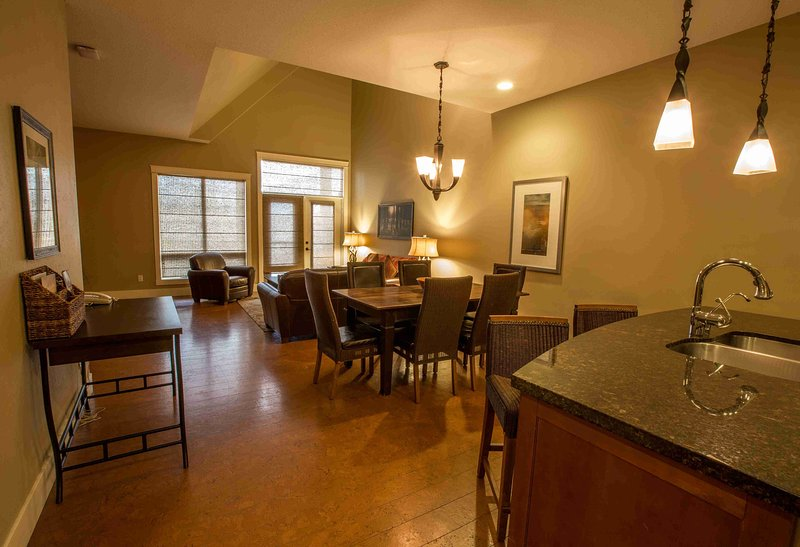 This condo is large, open plan and beautifully decorated - Luxury 3 Bedroom Canmore Condo with Amazing Amenities - Canmore - rentals