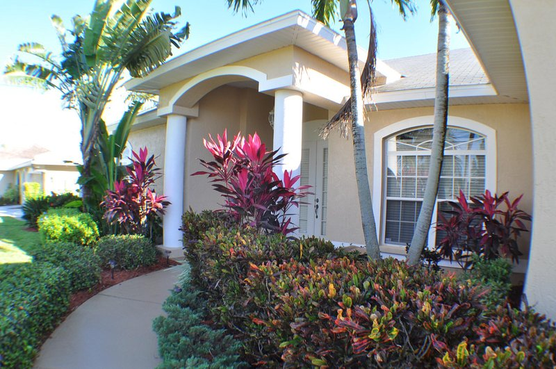 Villa Alex - southern exposure,close to everything - Image 1 - Cape Coral - rentals