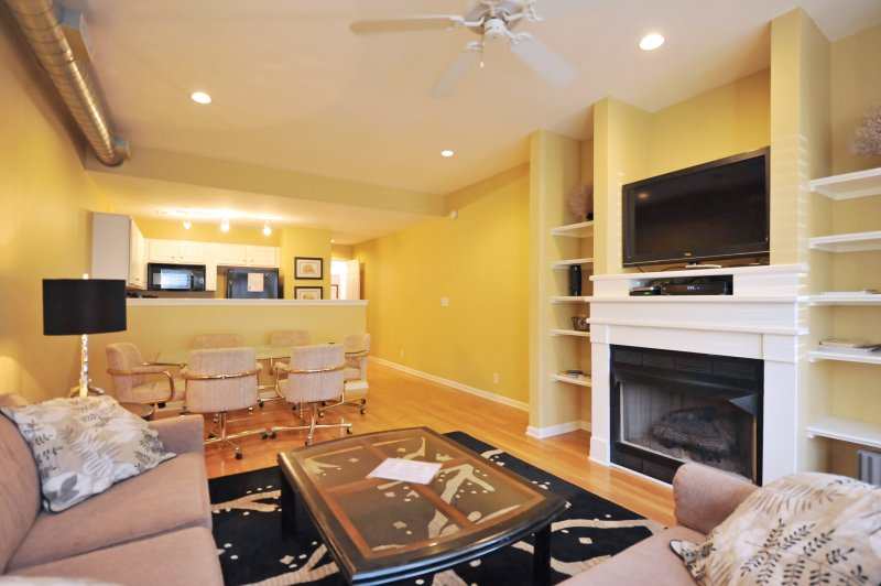 2 bed/2.5 bath Historic District  Luxury Townhouse - Image 1 - Louisville - rentals