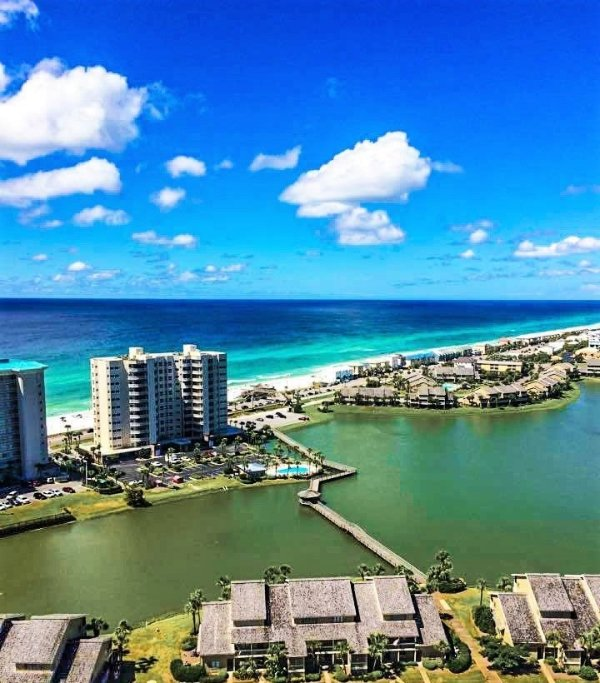 Seascape 2201: Gulf View Condo Resort Across Beach - Image 1 - Destin - rentals