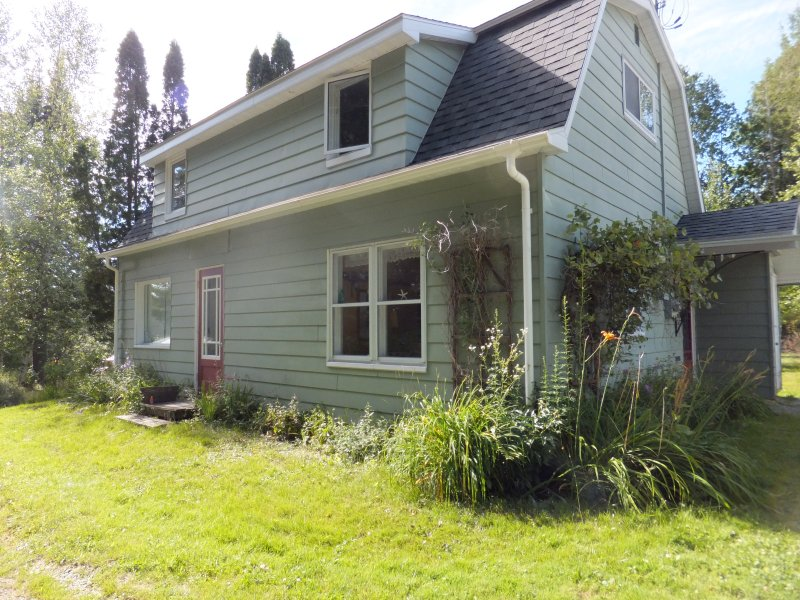 Rustic Country House close to the lake - Image 1 - North Hatley - rentals