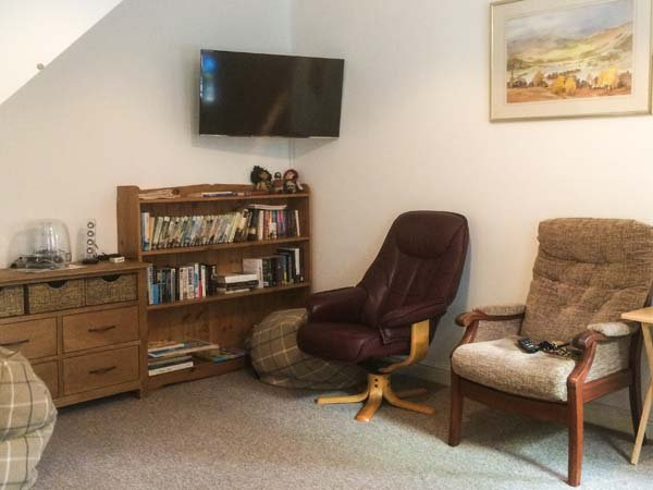 THE MAISONETTE, three-storey maisonette, close to beach and golf courses, WiFi, Lytham St Anne's, Ref 932331 - Image 1 - Lytham Saint Anne's - rentals