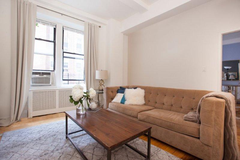 STUNNING 2 BEDROOM APARTMENT - Image 1 - Manhattan - rentals