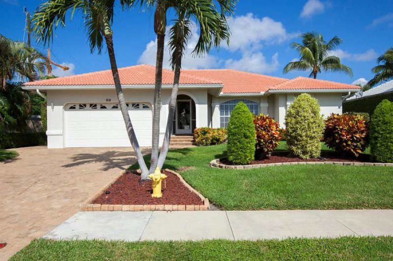 Description to be edited - Spruce Ave - SPRC918 - Only 0.4 miles from Beach! - Marco Island - rentals