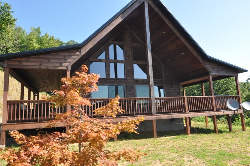 A Walk In the Clouds - Brand New 2 Bedroom Cabin with Pool Table and Magnificent View - 18 Miles to Harrahs Casino - Image 1 - Bryson City - rentals