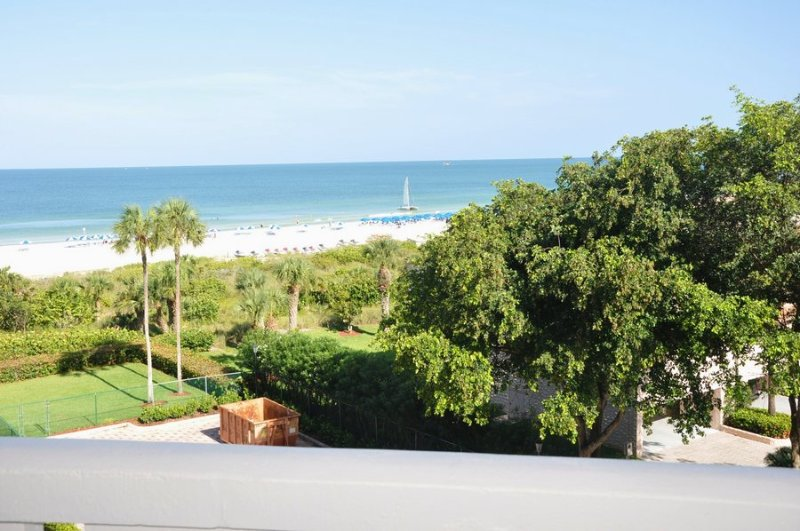 Description to be edited - Chalet - CHLT506 - Glorious Beachfront Condo! - Marco Island - rentals