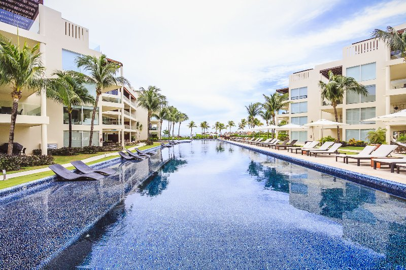 The Elements infinity pool - The Elements Poolside Condo w/ Private Beach - 108 - Playa del Carmen - rentals