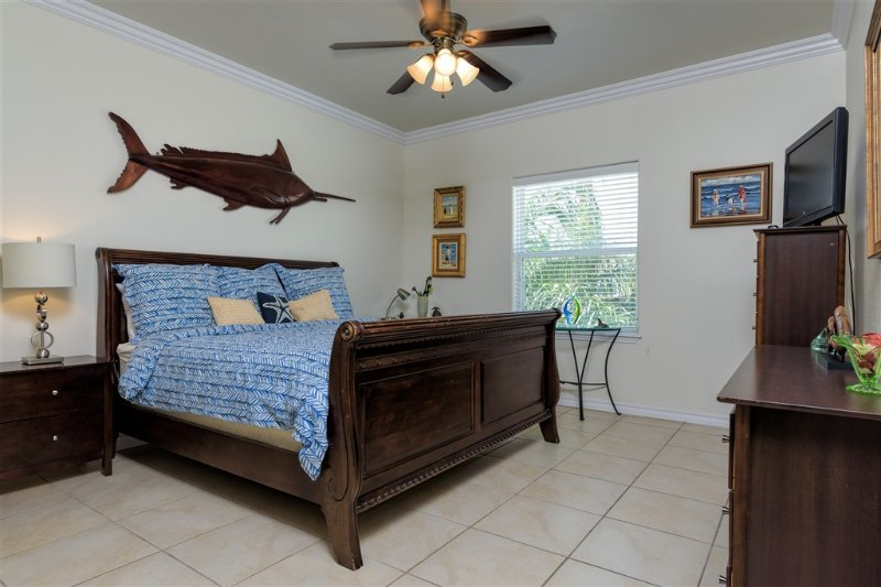 Courtyard condo, small complex, close to beach! - Image 1 - South Padre Island - rentals