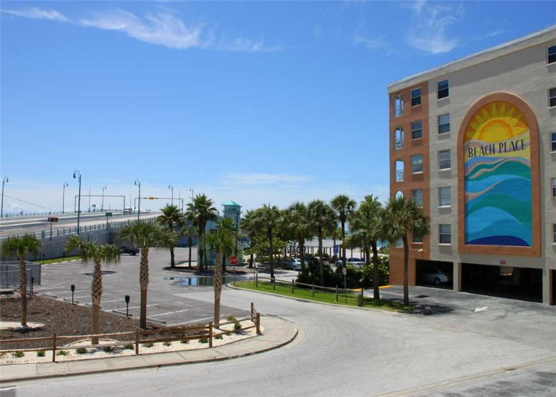 #103 Beach Place Condos - Image 1 - Madeira Beach - rentals