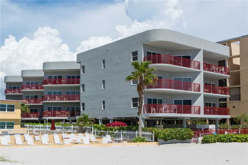 #303 Crimson Condos - Image 1 - Madeira Beach - rentals