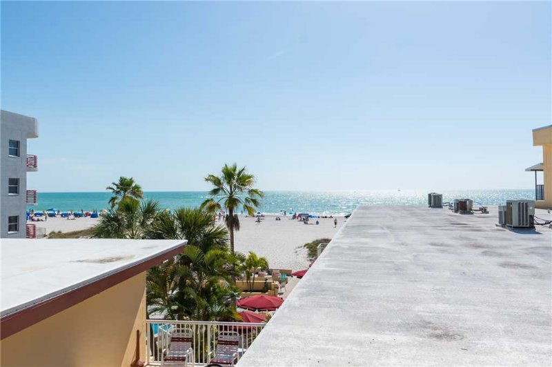 #333 Surf Song Resort - Image 1 - Madeira Beach - rentals