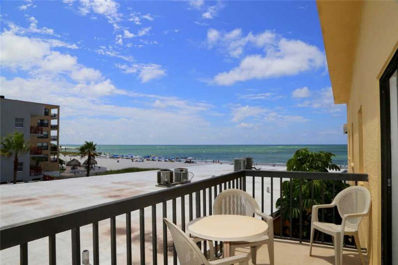#350 Surf Song Resort - Image 1 - Madeira Beach - rentals