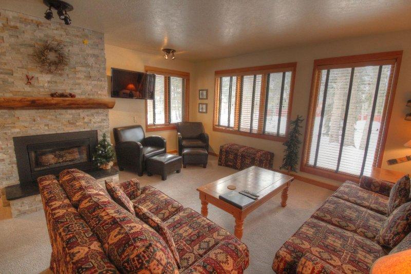 "SkyRun Property - ""1601 Quicksilver"" - Living room - 1601 Quicksilver - Keystone - rentals"