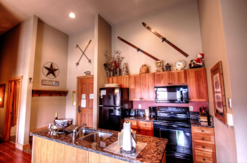 "SkyRun Property - ""2317 Red Hawk Lodge"" - kitchen - 2317 Red Hawk Lodge - Keystone - rentals"