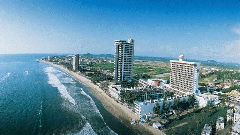 Wyndham El Cid El Moro Beach Hotel Ocean View! - Image 1 - Mazatlan - rentals