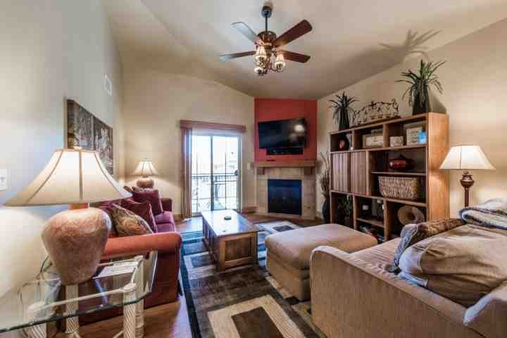 This spacious and open property features a stunning gourmet kitchen, two master bedroom suites and large family room with entertainment center. - Bear Hollow 2 Bedroom at Canyons - Park City - rentals