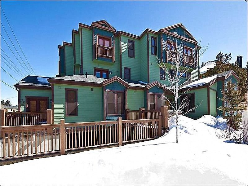 The Beautiful Exterior View - Take a Short Drive to Dining and Shopping - Community Outdoor Hot Tub (18017) - Park City - rentals