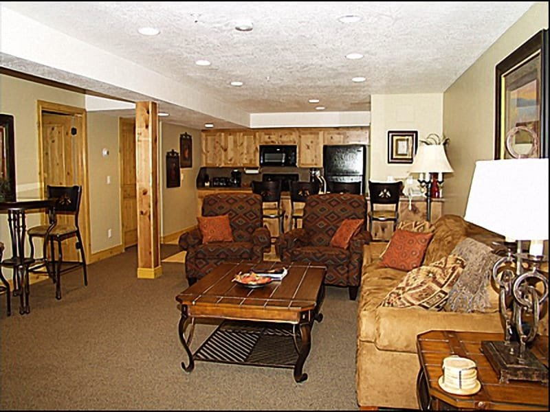 Living Room - Spacious and Open - Fantastic Mountain Views - Stunning Old Town Park City Home (2008) - Park City - rentals