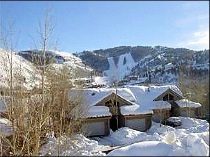 Beautiful Condo 1/2 mile to Deer Valley Ski Resort - Exquisite Views - Close to Old Town (24435) - Park City - rentals