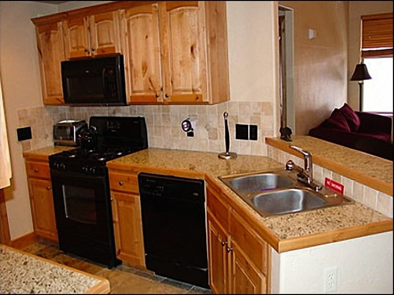 Fully Equipped Kitchen - Fabulous Redstone Condo NearThe Canyons - Distinctive Finishes Throughout (24451) - Park City - rentals